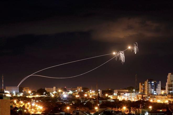 Varios cohetes sobre Gaza.