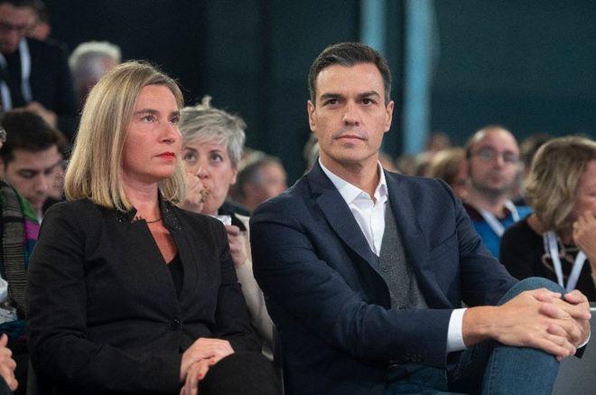 Pedro Sánchez y Federica Mogherini, juntos este sábado en Milán en...
