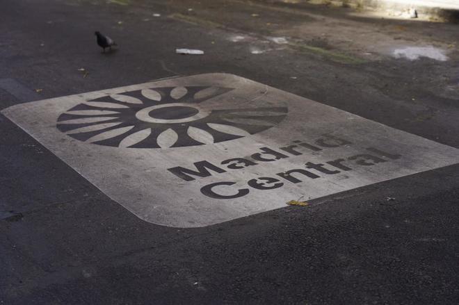 Cartel de Madrid Central en Calle Antonio Flores