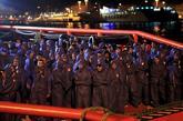 Un buque de Salvamento Marítimo traslada al puerto de Algeciras a 240...
