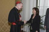 Pietro Parolin, secretario de Estado del Papa Francisco, y la...