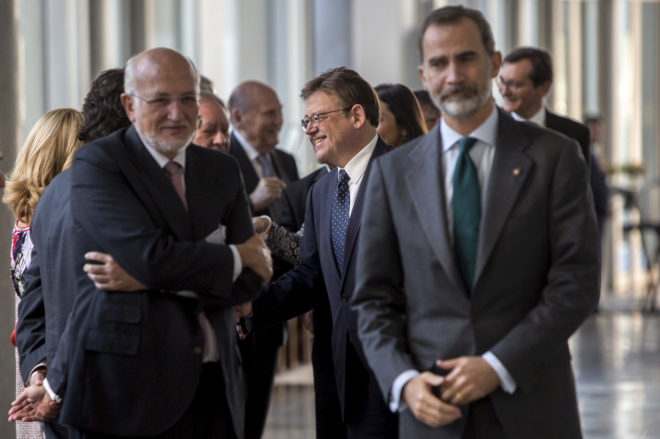 De izquierda a derecha, el presidente de Mercadona, Juan Roig, el presidente de la Generalitat, Ximo Puig, y el Rey, en Valencia.