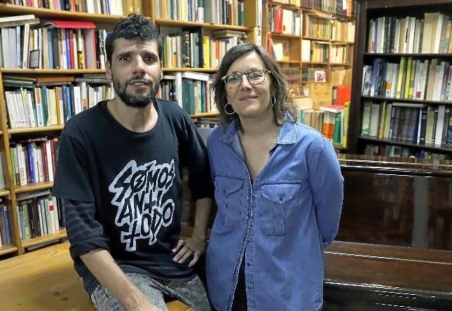 Los libreros de Taifa: Jordi Duarte y Laia Montañà.