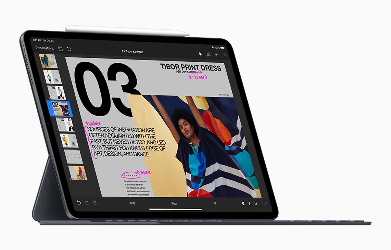 c4c71743431 Mi mayor queja se la lleva la nueva cubierta con teclado, que ahora se  adhiere de forma más firme, protege mejor al iPad y permite poner la  pantalla en dos ...
