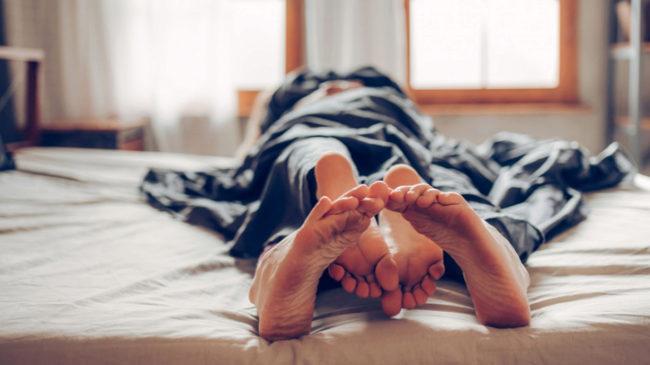 Las 9 cosas que (casi) todos hacemos después del sexo. ¿Cuál prefieres tú?