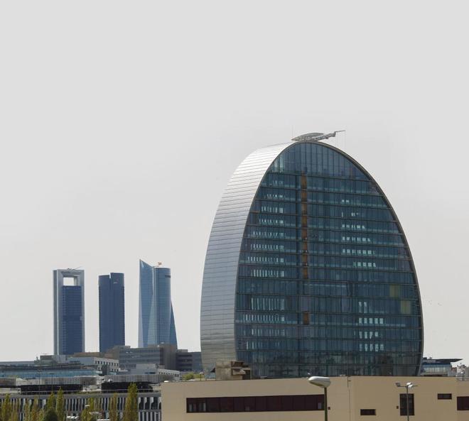 Skyline de Madrid con el edificio del BBVA en primer plano.