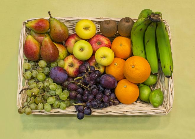 Cesta de frutas.