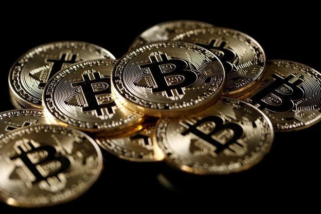 Una colección de Bitcoins, divisas virtuales e intangibles creadas por Satoshi Nakamoto.