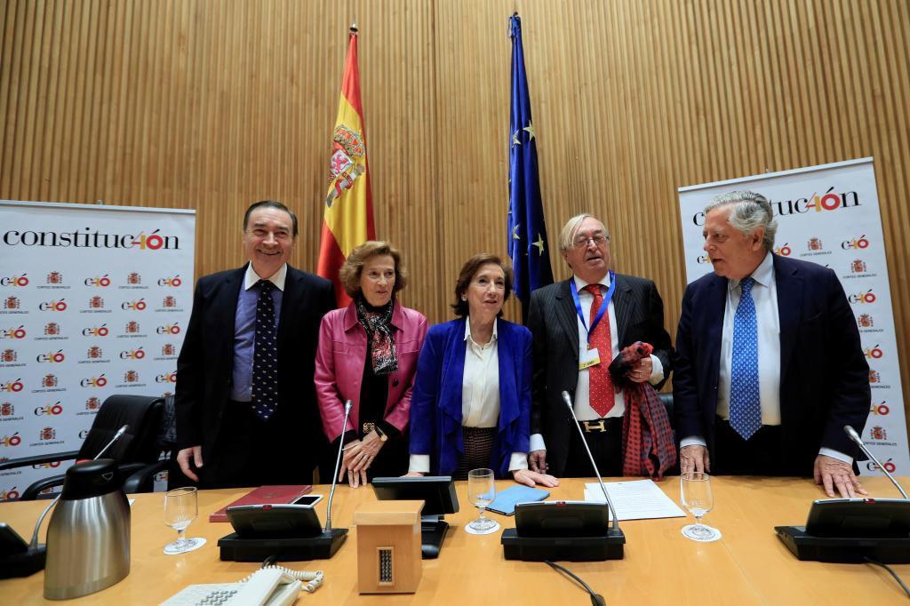 Pedro J. Ramírez, Anabel Díez, Victoria Prego, José Oneto y Miguel...
