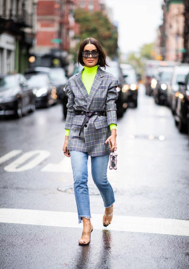 Rolka u neonsko zelenoj boji - jesenja kombinacija garderobe