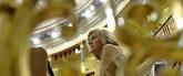 La ex secretaria general del PP, María Dolores de Cospedal, sentada...