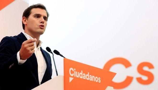 El líder de Ciudadanos, Albert Rivera, en una rueda de prensa.