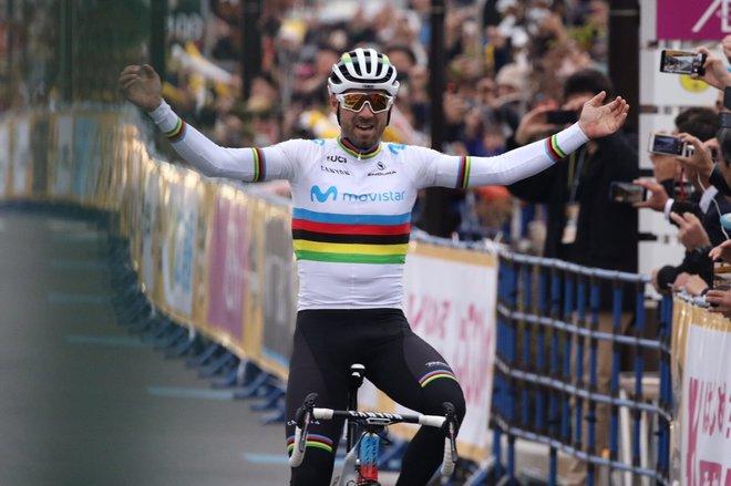 Valverde, victorioso en la meta de Saitama.