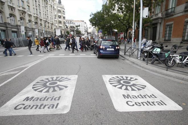 Indicativo de acceso al área Madrid Central.