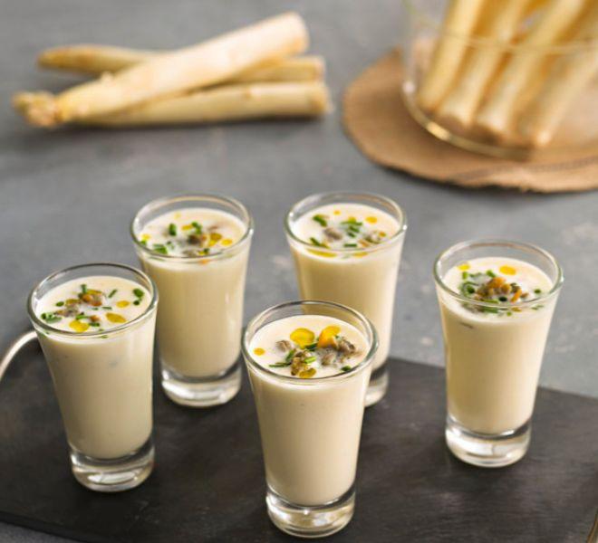 Recetas sencillas y saludables con Thermomix: crema tibia de espárragos con berberechos