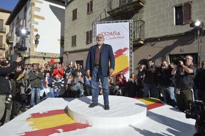 Fernando Savater, durante el acto de la plataforma España Ciudadana en Alsasua.