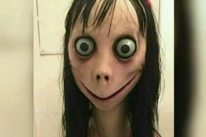 Momo tiene un aspecto terrorífico.