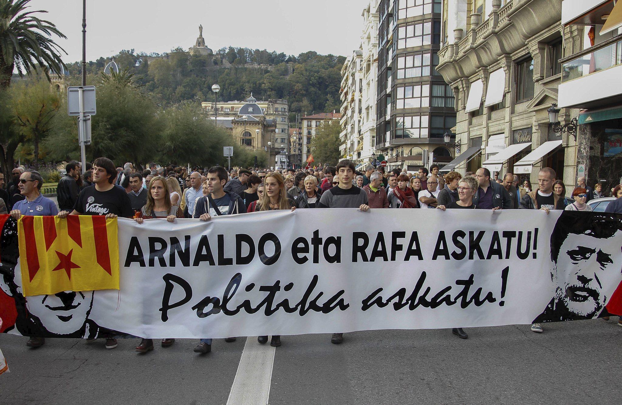 Una manifsetación pidiendo la libertad de Otegi y Rafa Díez en 2015, cuando estaban en la cárcel,