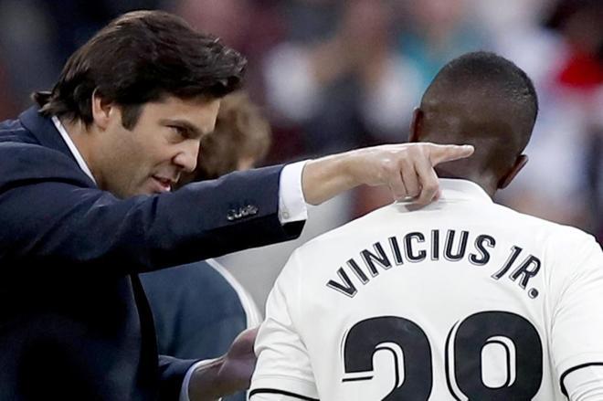 Vinicius y Solari, durante el partido del pasado sábado ante el Valladolid.