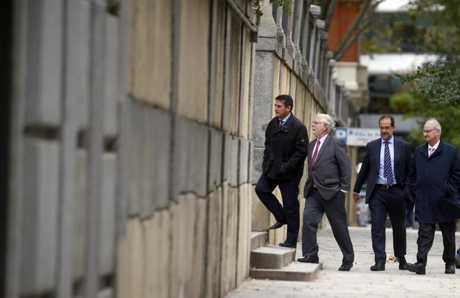 Los magistrados entrando esta tarde en el Supremo.
