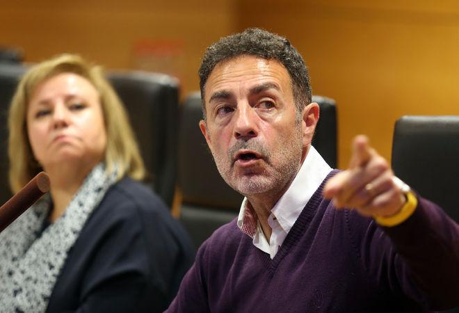 El profesor de Medicina Legal y director de la Unidad de Igualdad de la Universidad de Granada, Miguel Lorente, durante la charla celebrada.