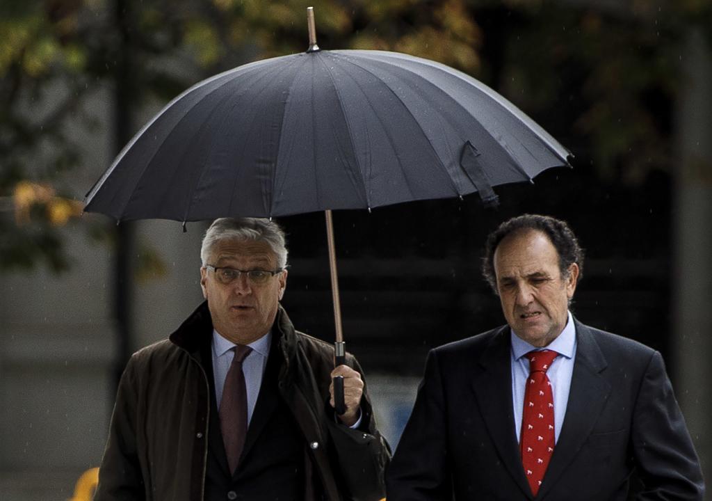 El presidente de la Sala, Luis Maria Díez Picazo (izquierda), con  José Antonio Montero Fernández, de la Sala Tercera del Tribunal Supremo.