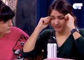 Sabela llora junto a Natalia, durante una clase con Manu Guix en...