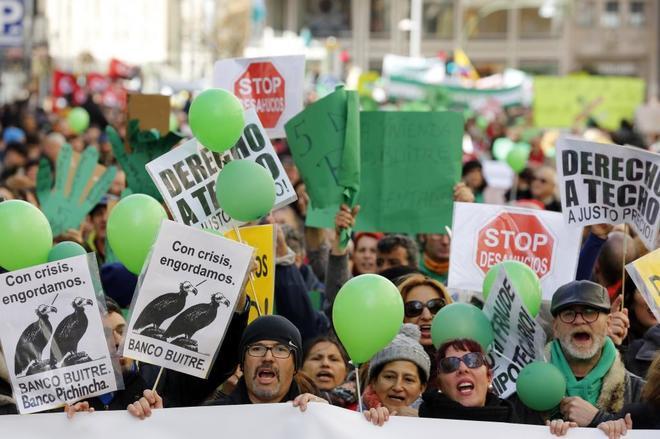 Manifestación a favor de una vivienda digna y contra los bancos