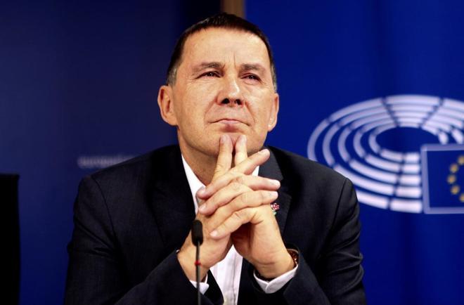 Arnaldo Otegi, este martes en una rueda de prensa celebrada en Bruselas.