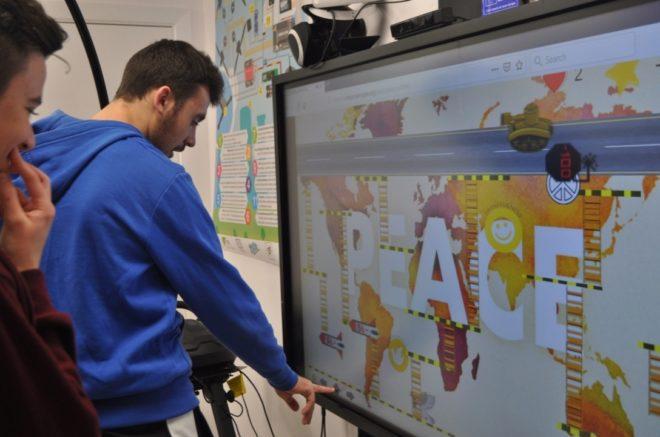 El proyecto Digi4Social acerca tecnologías actuales, como el modelado en 3D o la robótica, a los estudiantes para que excluyan contenido poco sensible socialmente.