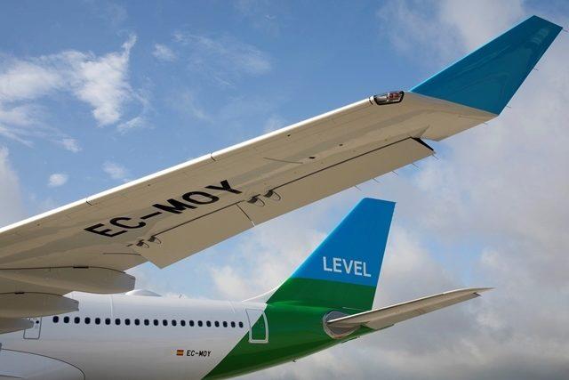 Aviones de la compañía Level, en el aeropuerto de Barcelona-El Prat.