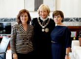 La vicepresidenta del Gobierno, Carmen Calvo, con sus predecesoras...
