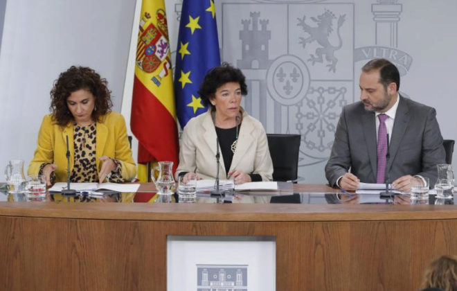 Los ministros María Jesús Montero, Isabel Celáa y José Luis Ábalos, en la rueda de prensa tras el Consejo.