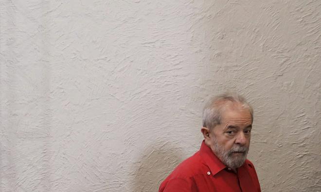 Los ex presidentes de Odebrecht confirman haber financiado obras en una casa de Lula da Silva