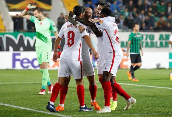 El Sevilla sufre para doblegar a un débil Akhisarspor