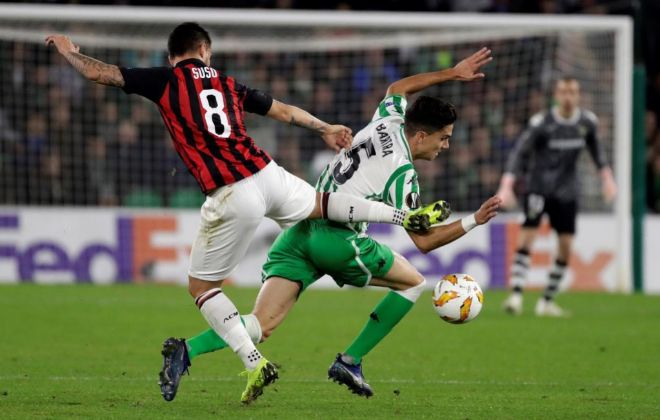 Suso lidera al Milan y frena al Betis