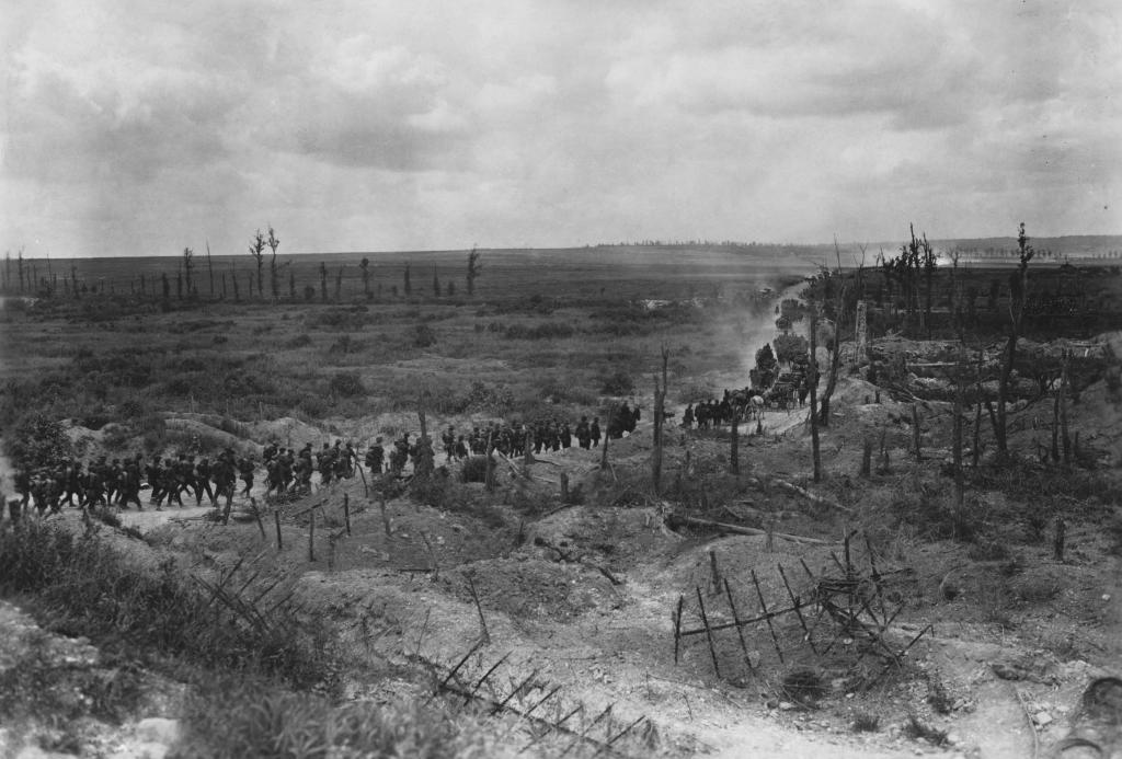 Tropas alemanas avanzan por la Champaña, en Francia.