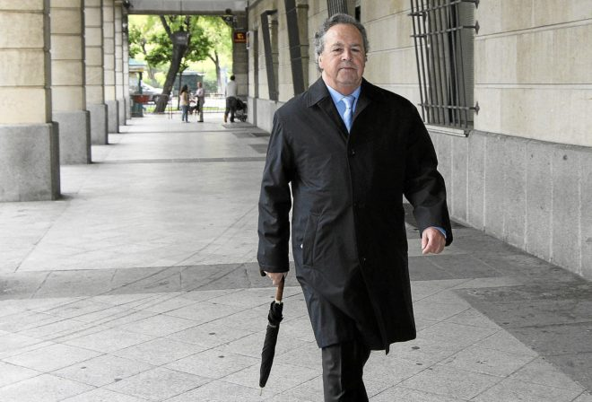 Tomás Pérez-Saquillo, ex presidente de Invercaria, en los juzgados de Sevilla.