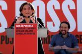 La alcaldesa Ada Colau y el líder de Podemos, Pablo Iglesias, hoy, en...