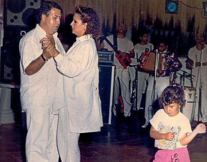 El capo colombiano junto a su esposa Victoria Eugenia Henao Vallejo. A su lado, su  hija Juana Manuela.