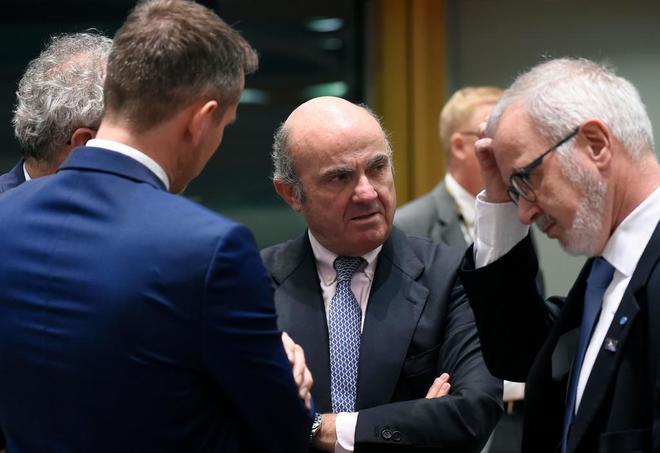 El vicepresidente del BCE, Luis de Guindos, en Bruselas, en la última reunión de ministros de Finanzas.