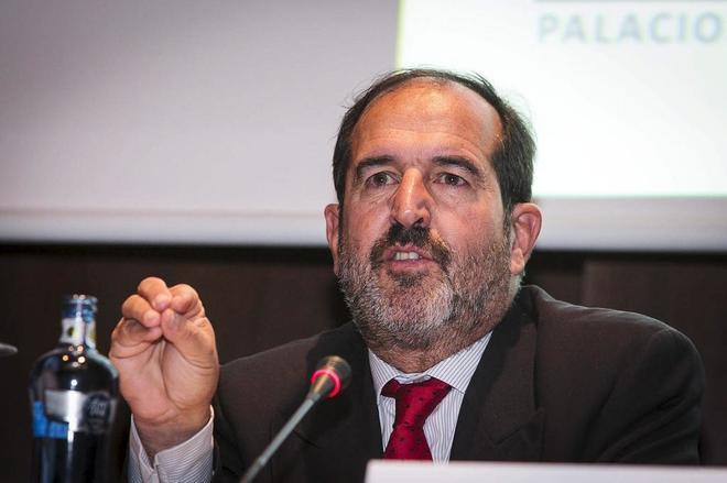 Andrés Martínez Arrieta, en un congreso jurídico celebrado en...