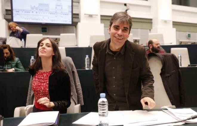 Jorge García Castaño, edil de Economía, junto a Rita Maestre, portavoz del Gobierno municipal.
