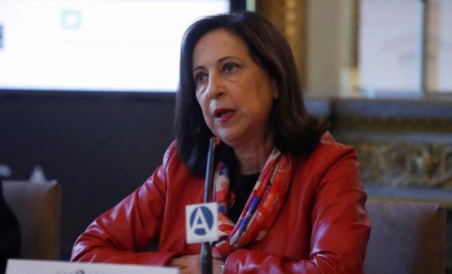 La ministra de defensa Margarita Robles, durante su intervención en...