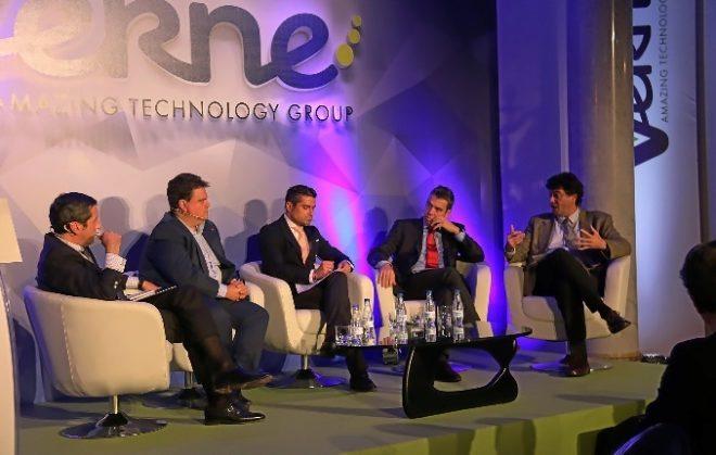 Un momento del debate organizado sobre los retos tecnológicos.