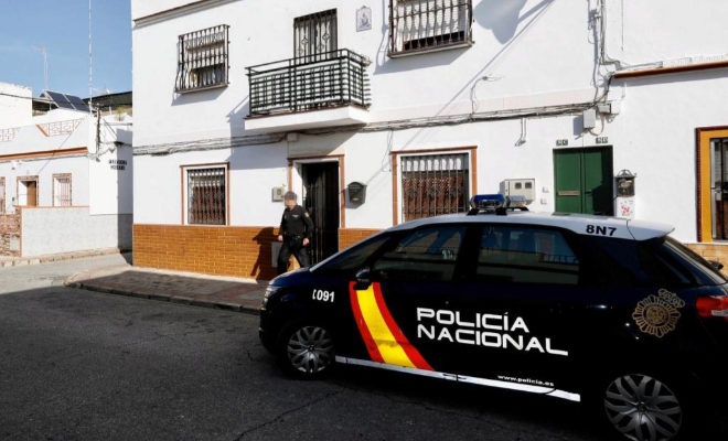La Policía investiga el presunto asesinato de un hombre a su madre en su vivienda