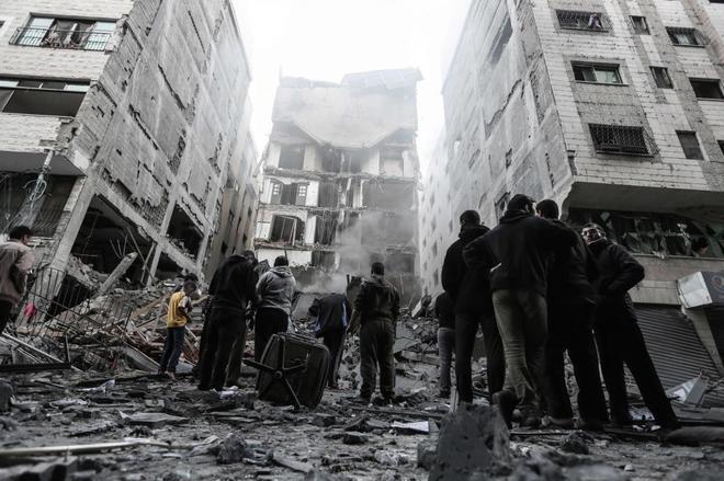 Un edificio reducido a escombros tras el ataque aéreo sobre Gaza