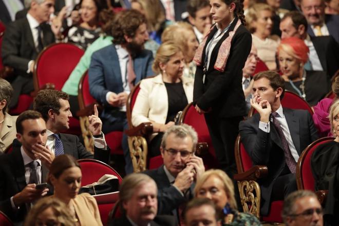 Los presidentes de PP y Ciudadanos, Pablo Casado y Albert Rivera, durante la entrega de los Premios Princesa de Asturias