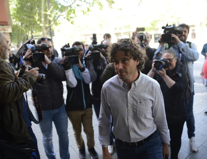 Jaume Garau llegando a los juzgados para declarar por el 'caso Contratos' el pasado mes de abril.