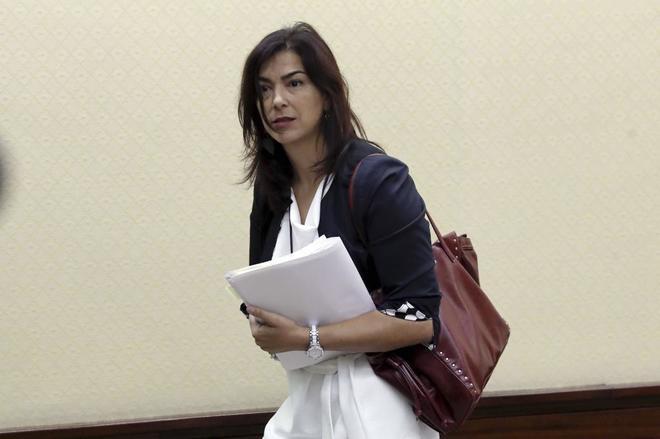 María José Rienda, camino de una comparecencia en el Congreso de los Diputados.